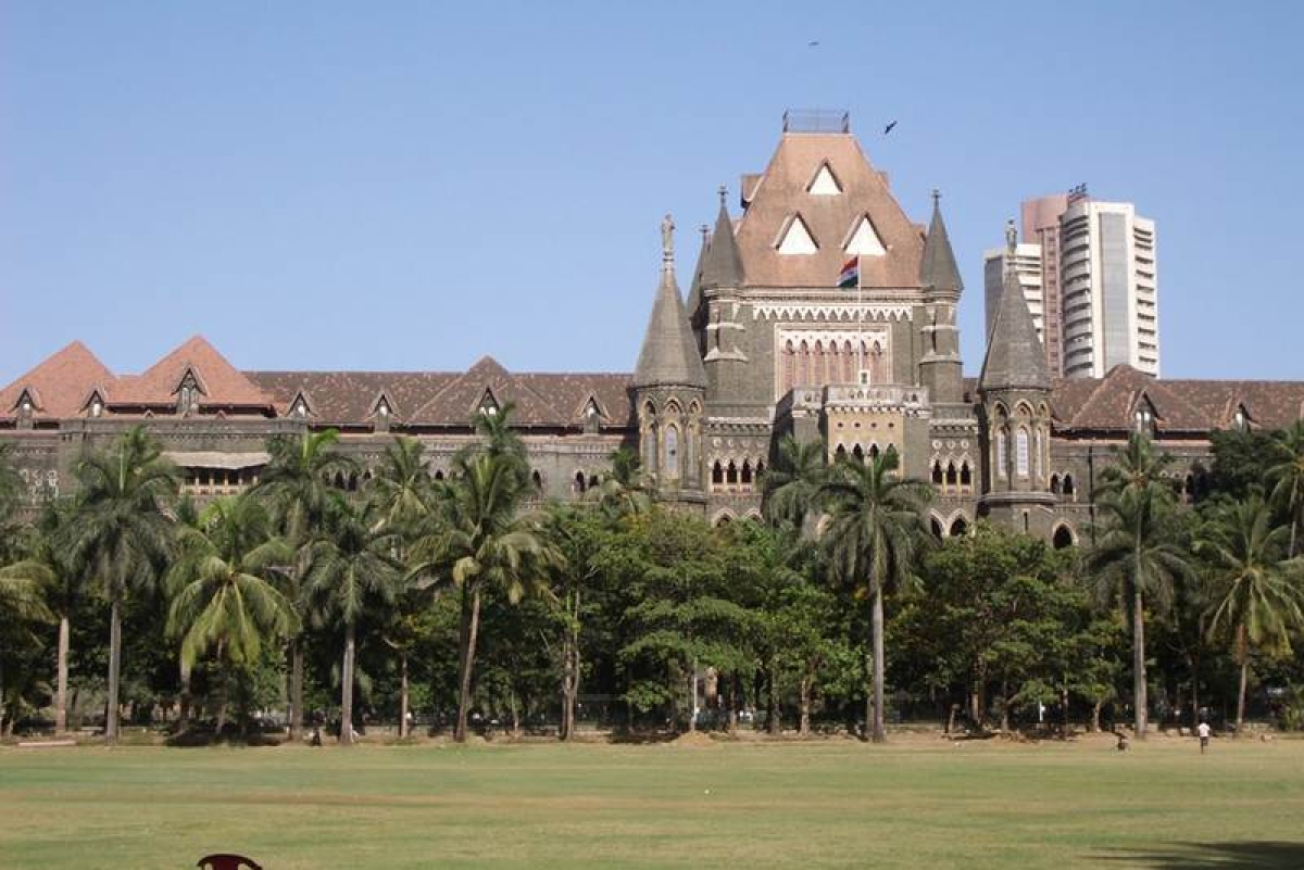 Bombay HC summons Chidambaram, 2 IAS officers in 63 moons lawsuit
