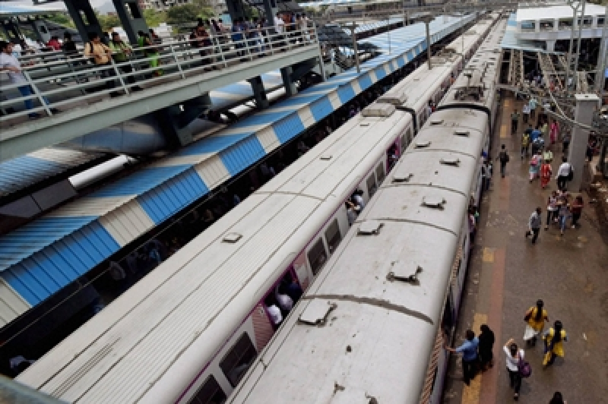 Mumbai: Strict action against passengers blocking doors