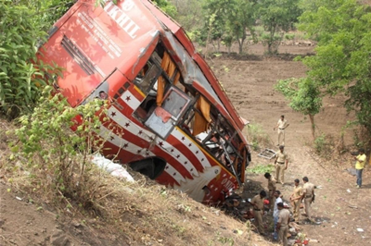 Venezuela bus accident kills 18