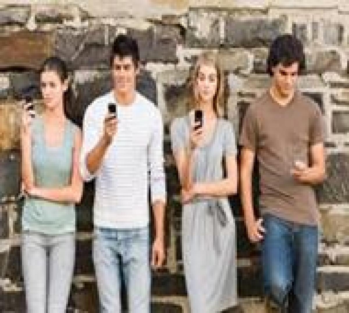 Teens find social media 'likes' as rewarding as chocolates