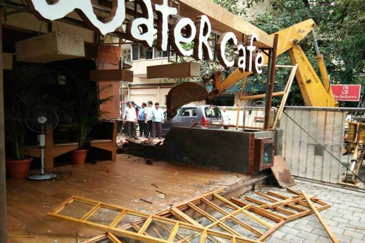 Illegal extension at Salt Water Café demolished in South Bombay