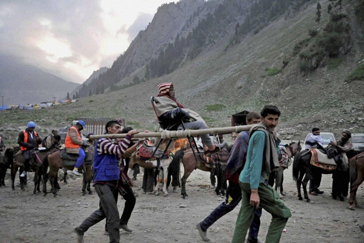 24,000 perform Amarnath Yatra in two days