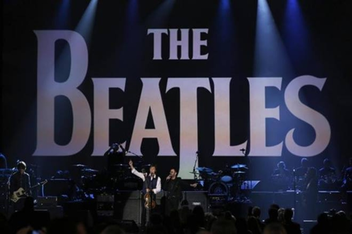 Beatles reunite for love-themed show