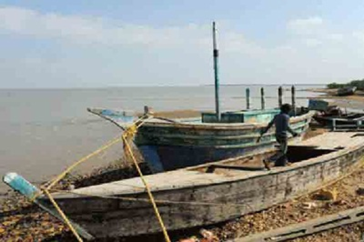 Five Pakistani fishing boats seized in Kutch