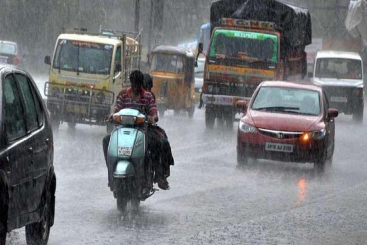 Mumbai: City to receive moderate rainfall in next 24 hrs