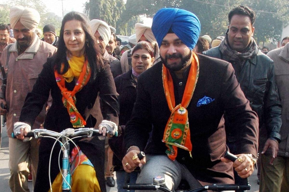 Amritsar train tragedy: SAD demands resignation of Navjot Singh Sidhu, murder case against his wife
