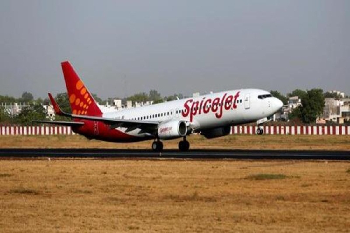 This Navy officer's quick thinking saved lives of passengers on this SpiceJet flight to Goa