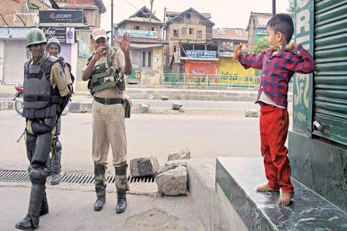 Kashmir violence: Curfew, shutdown extended in Kashmir