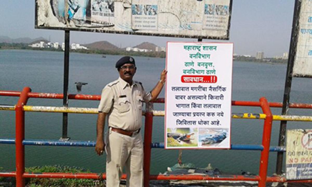 'Declare Powai lake as Crocodile Park', say Shiv Sena, Congress