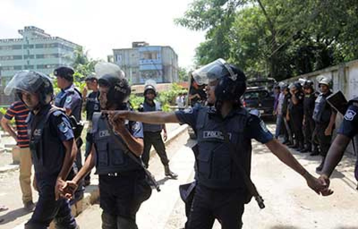 Suspected mastermind of Bangla cafe siege shot dead