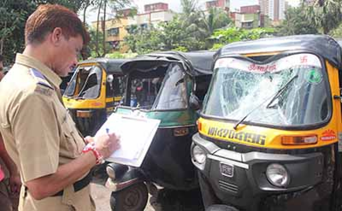 Mumbai: Cops crack down on rogue rickshaw drivers