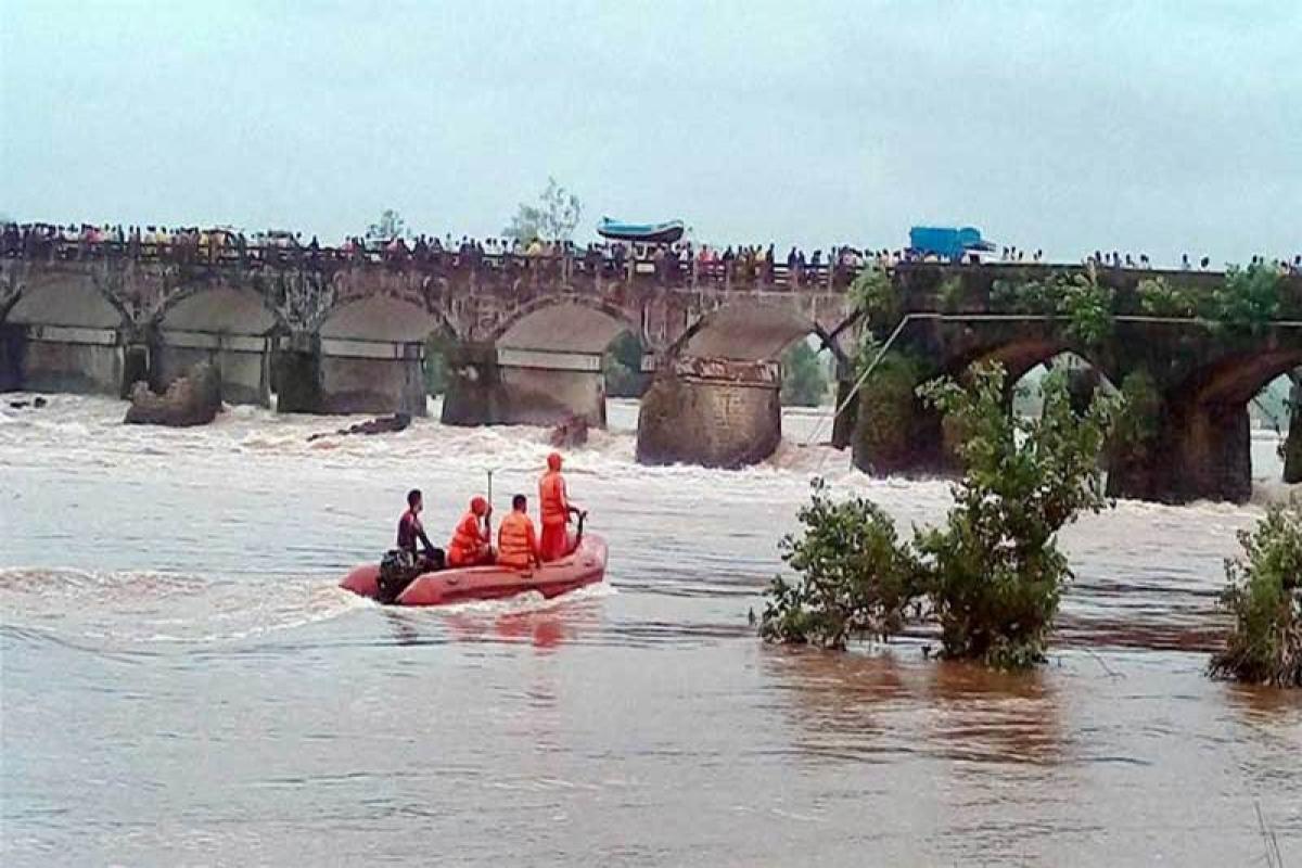 Mahad bridge collapse: 2 decomposed bodies of victims found in Ratnagiri