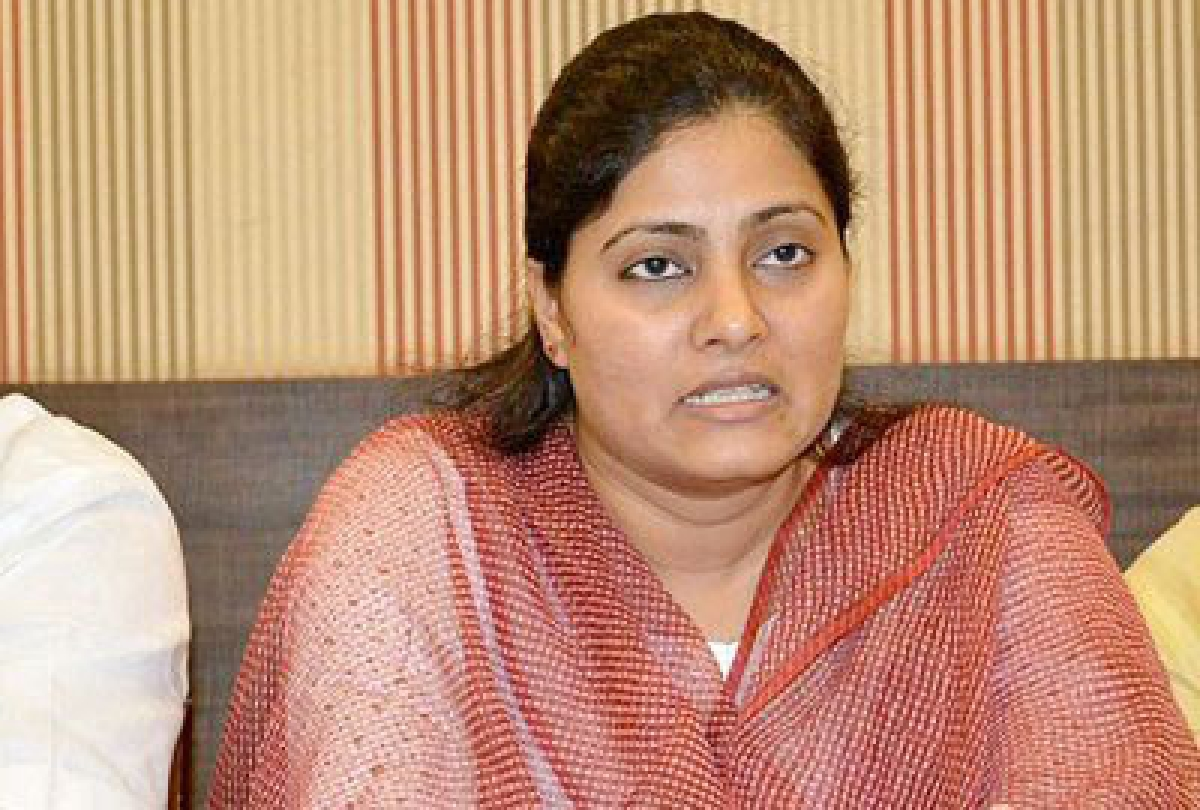 FIR against  Union Minister Anupriya for  violating orders