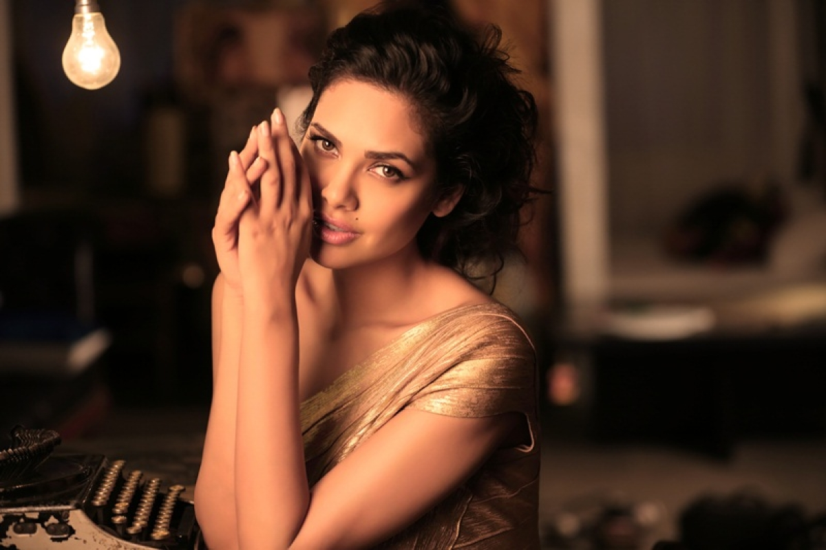OMG! Now, Esha Gupta's Twitter account gets hacked; fans receive spam messages in DM