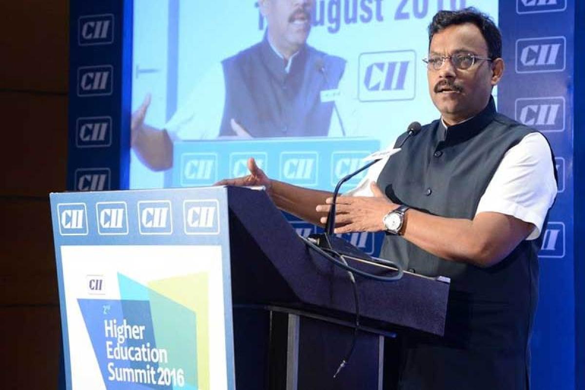 Maharashtra: Shivaji University signs MoU with SPJIMR for faculty development