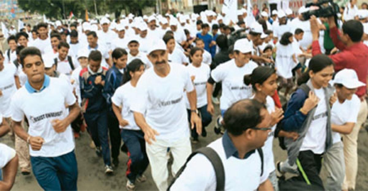 AISECT varsity organises race in 'Yaad Karo Kurbani' fortnight