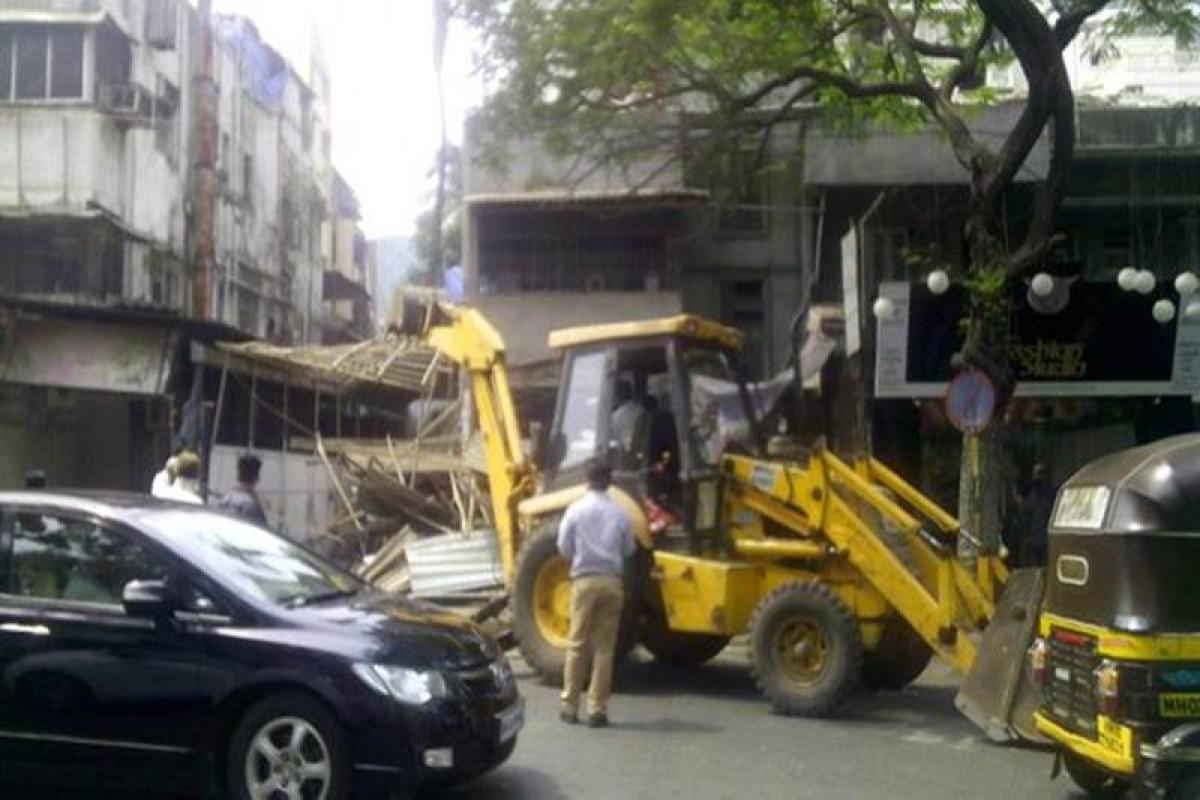 MCGM demolition:Civic body demolishes illegal extensions of hotel restaurants