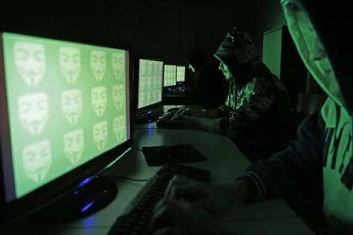 Hacker release personal data of 200 Democratic leaders