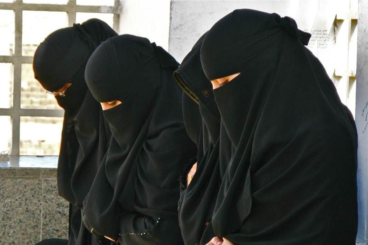 Hijab-wearing Muslim women face discrimination in UK: Report