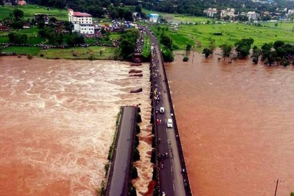 Mahad bridge collapse: Death toll rises to 26, 41 remain missing