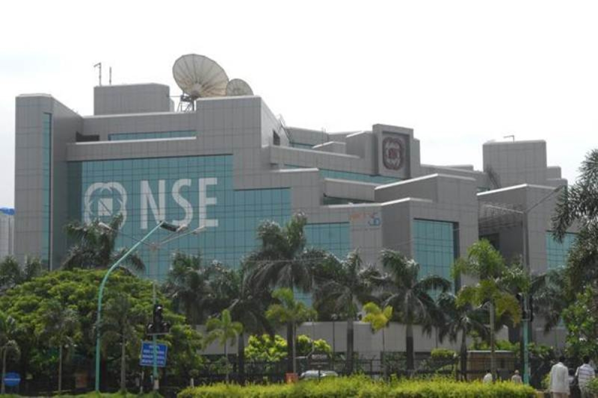 NSE may submit preliminary report to SEBI on trading halt by Friday.