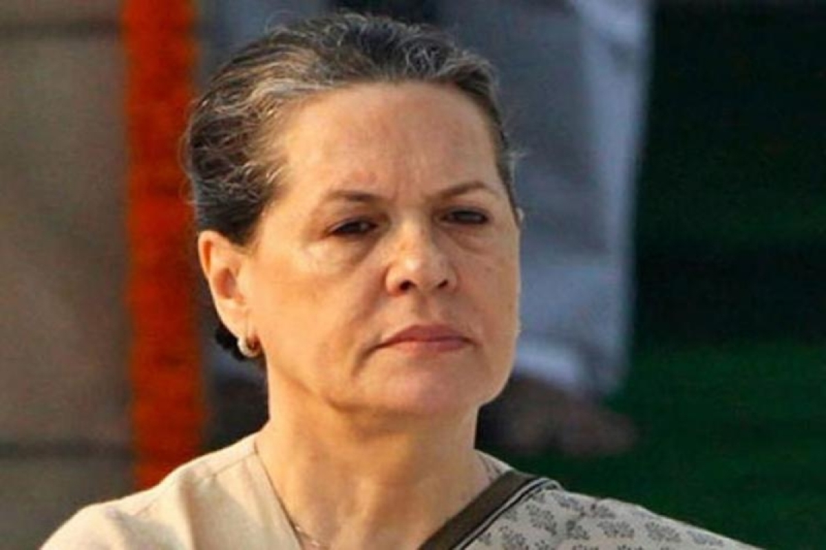 Sonia's condition improves, Azad pays visit