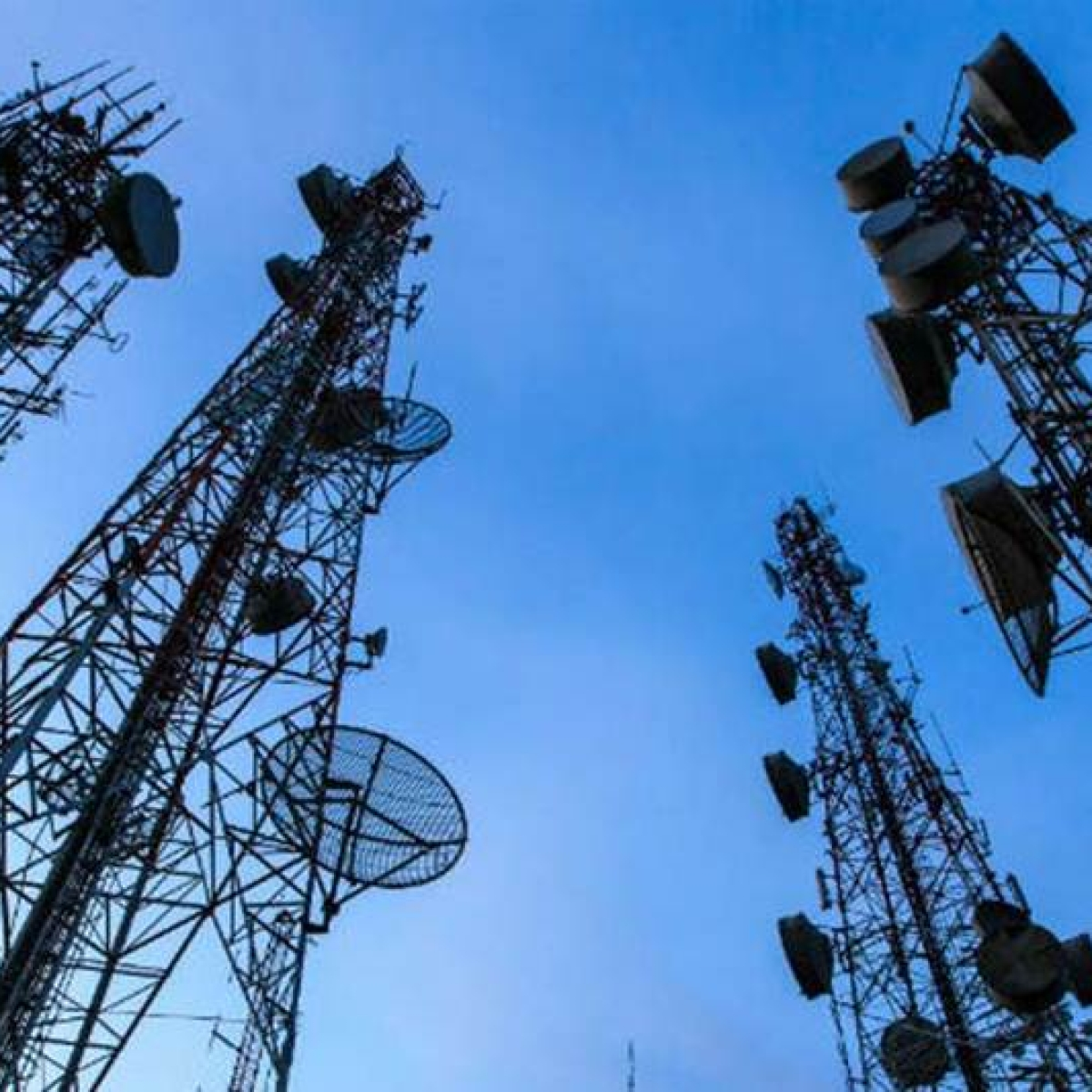 Govt forms panel of secretaries on measures to ease financial stress in telecom