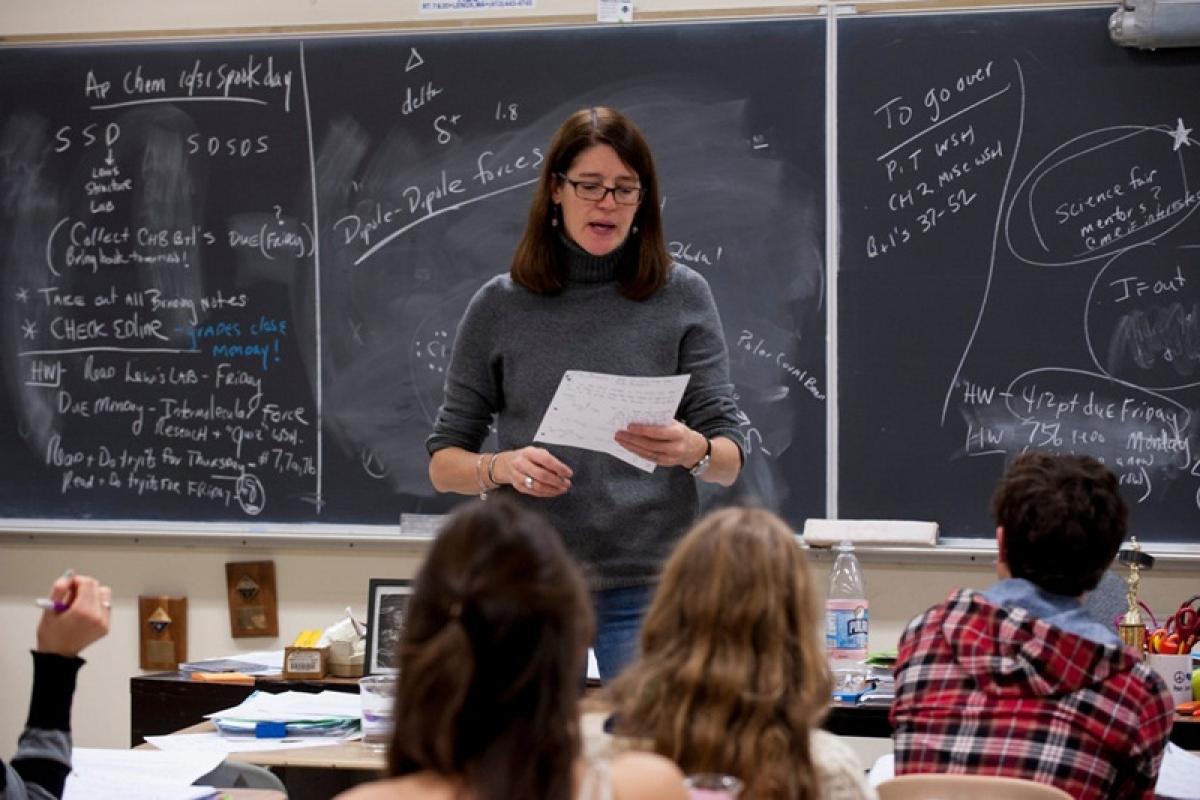 Teacher's negative attention leads to student's negative behaviour