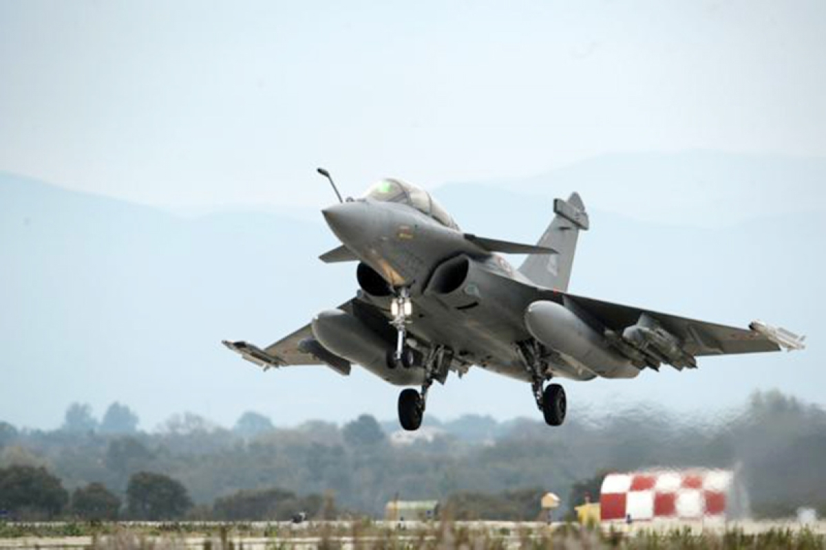 Rafale clean chit: Noise persists