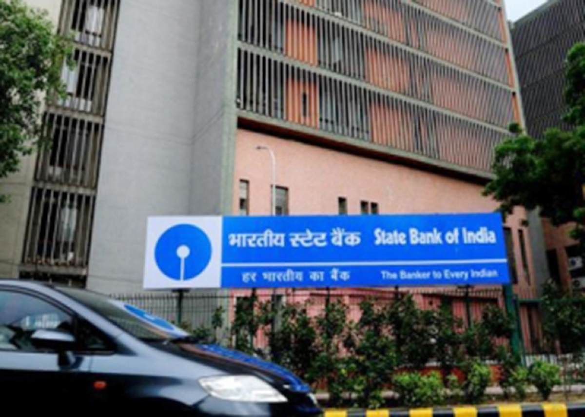 SBI raises $500 m from overseas bond sale, prices at 3.3 per cent