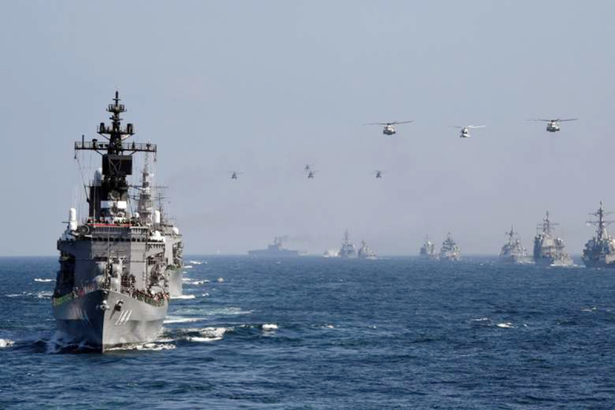 China flexes air muscle  over strait near Japan
