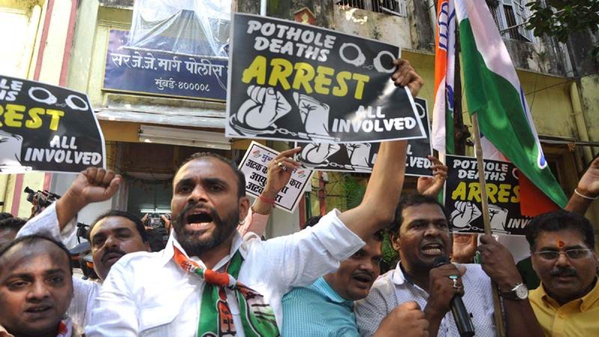 Mumbai: Pothole claims youth's life