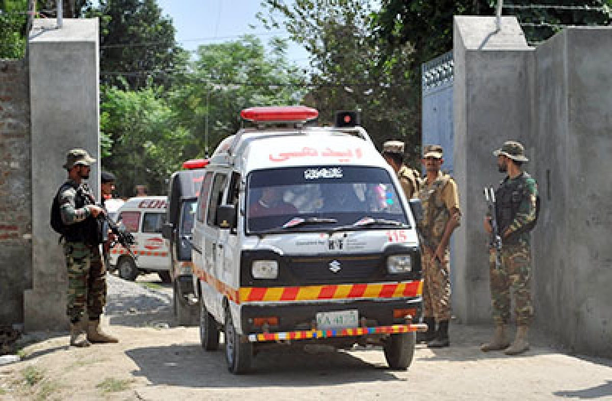 Indian Army offers Pakistani counterparts to take slain soldiers bodies