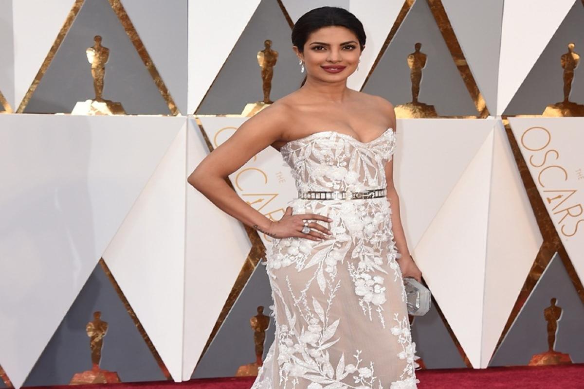 Bollywood dresses the Lebanese way!