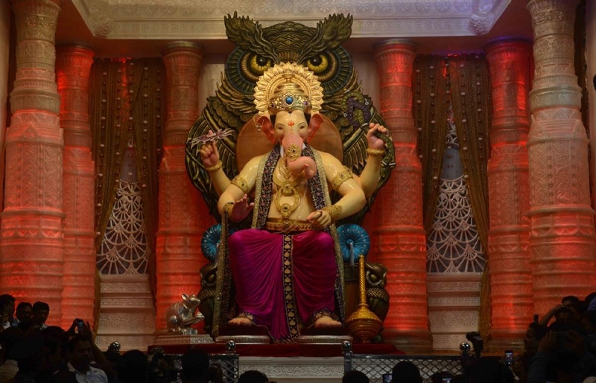 Ganesh Festival 2016: Lalbaugh Cha Raja's Aarti (Video)