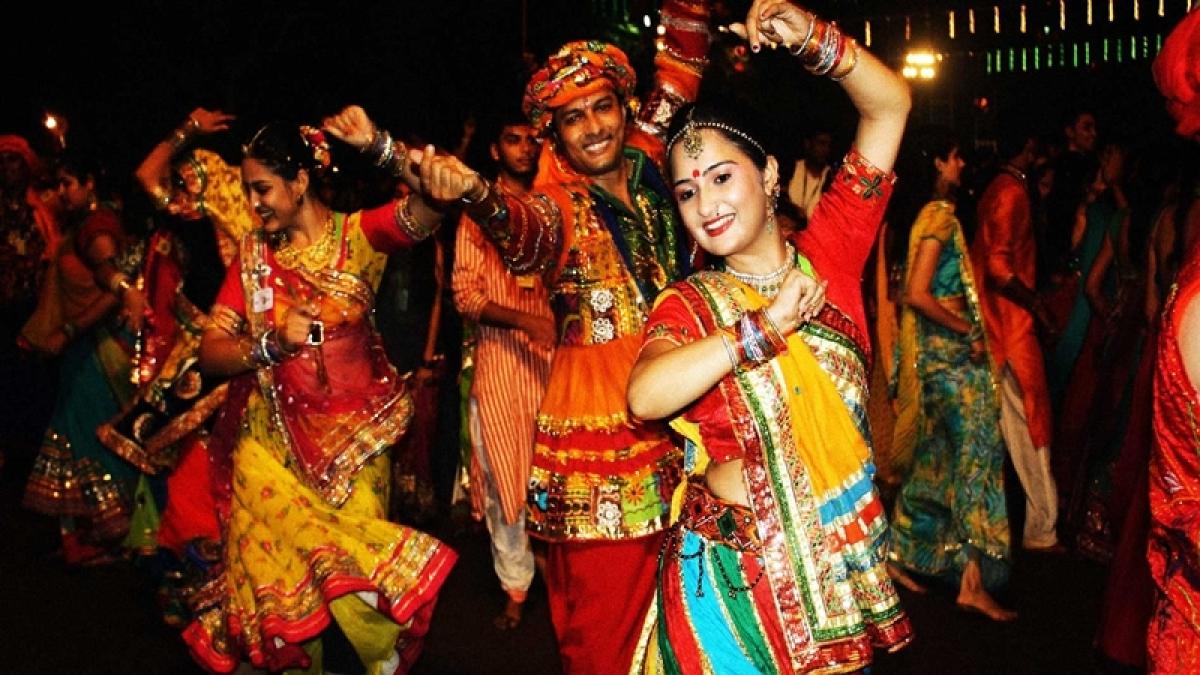 Navratri 2016: 7 of Mumbai's bustling Dandiya spots you shouldn't miss!