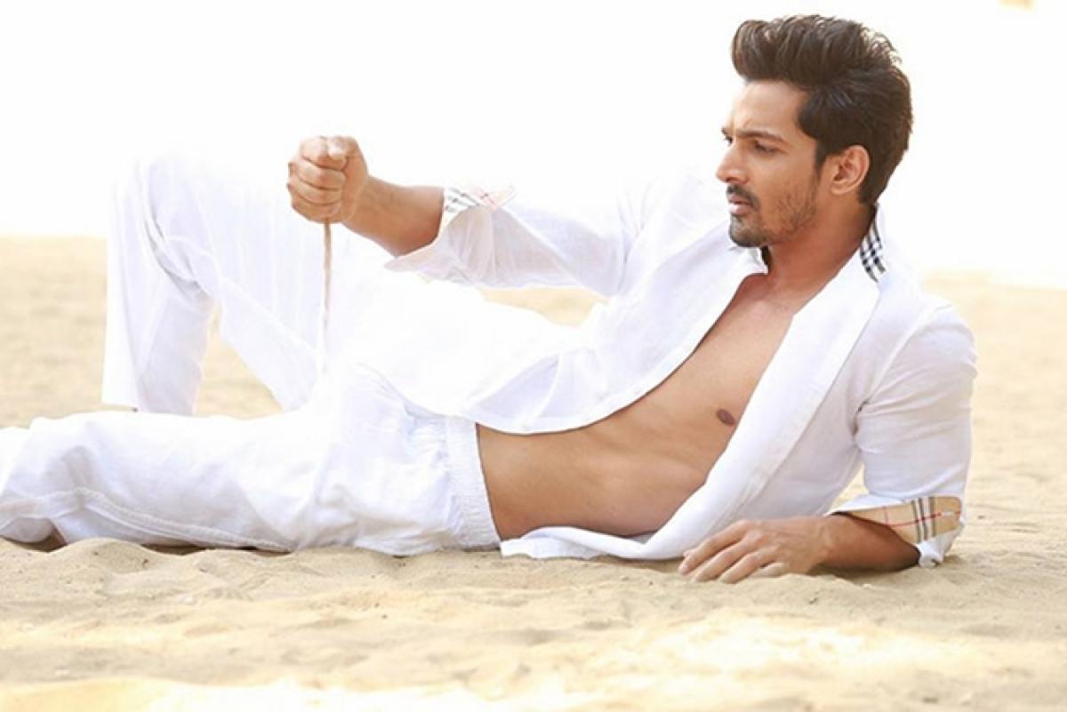 Harshvardhan Rane wraps up shooting for 'Paltan'