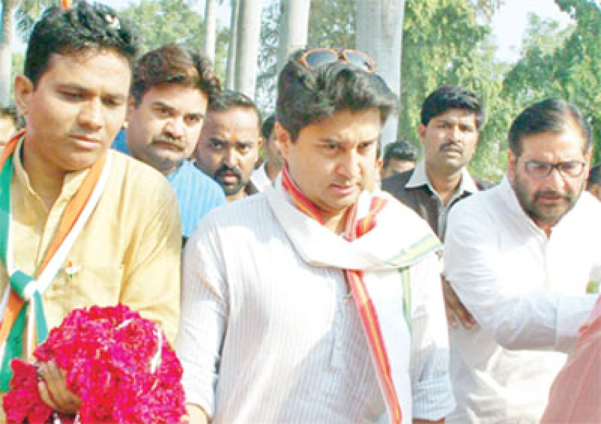 Bhopal: For farmer's sake, Congmen fight for space on dais