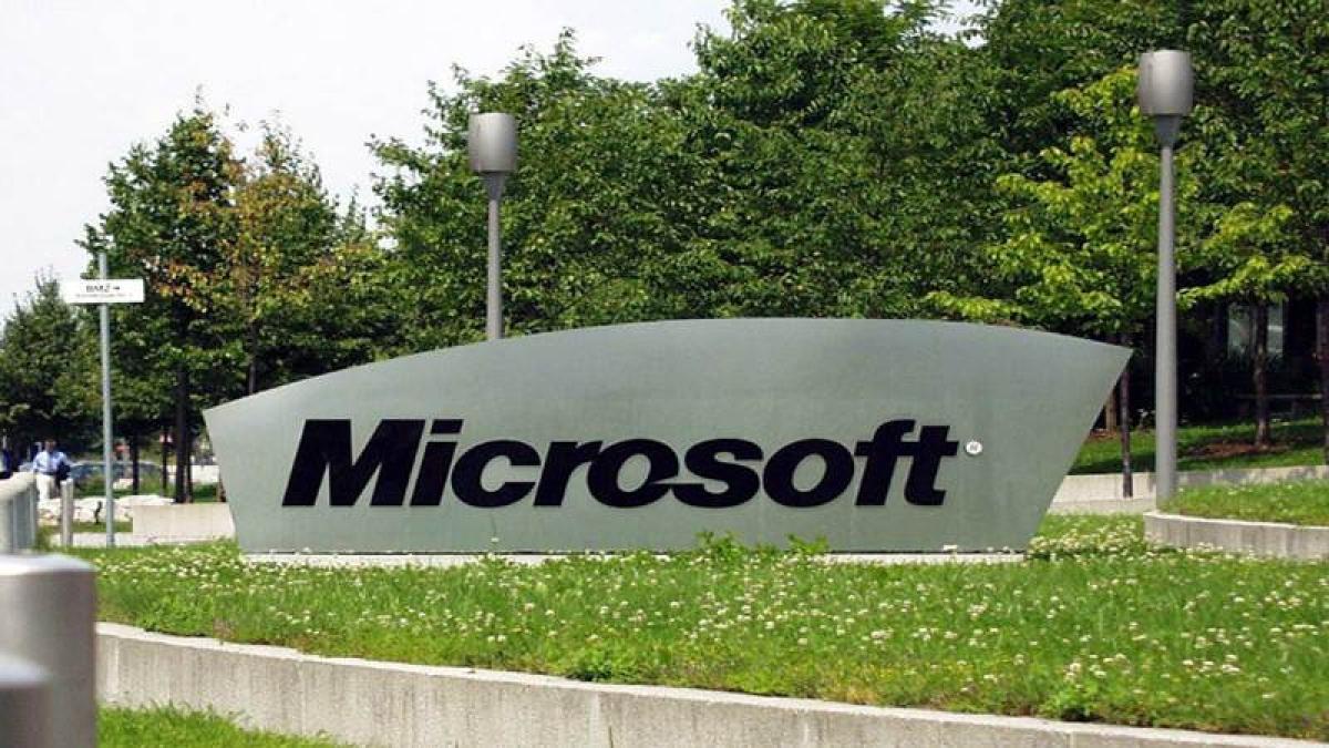 Pentagon awards Microsoft $10 bn 'war cloud' deal, snubs Amazon