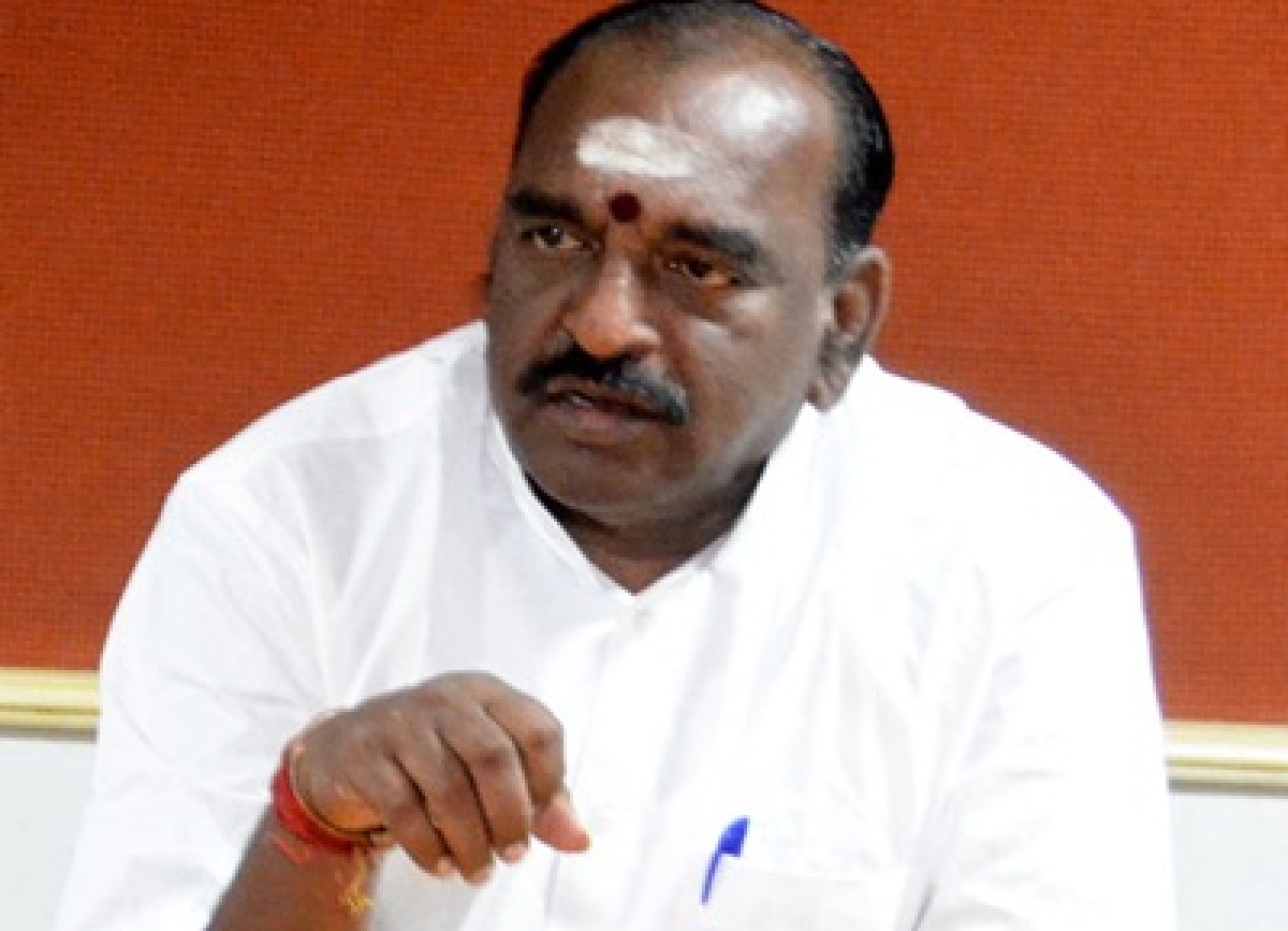 'Congress government in Karnataka politicising Cauvery issue'