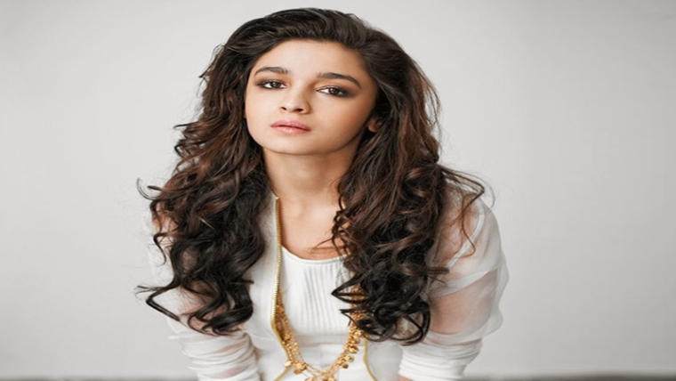 Alia Bhatt hits nine million followers on Twitter