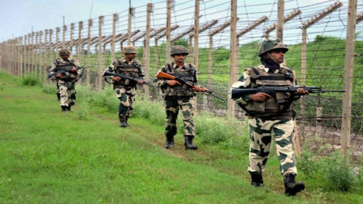 Pakistani intruder held along International Border in Jammu