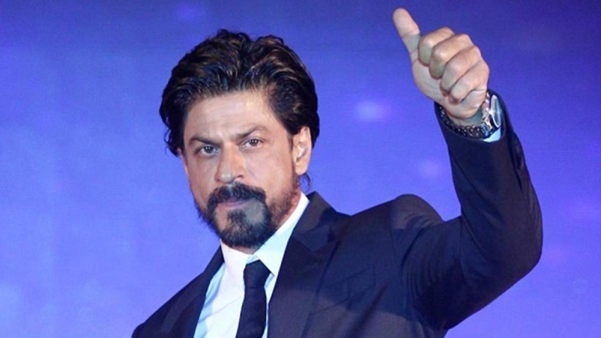 SRK wishes Anubhav Sinha best of luck for 'Tum Bin 2'