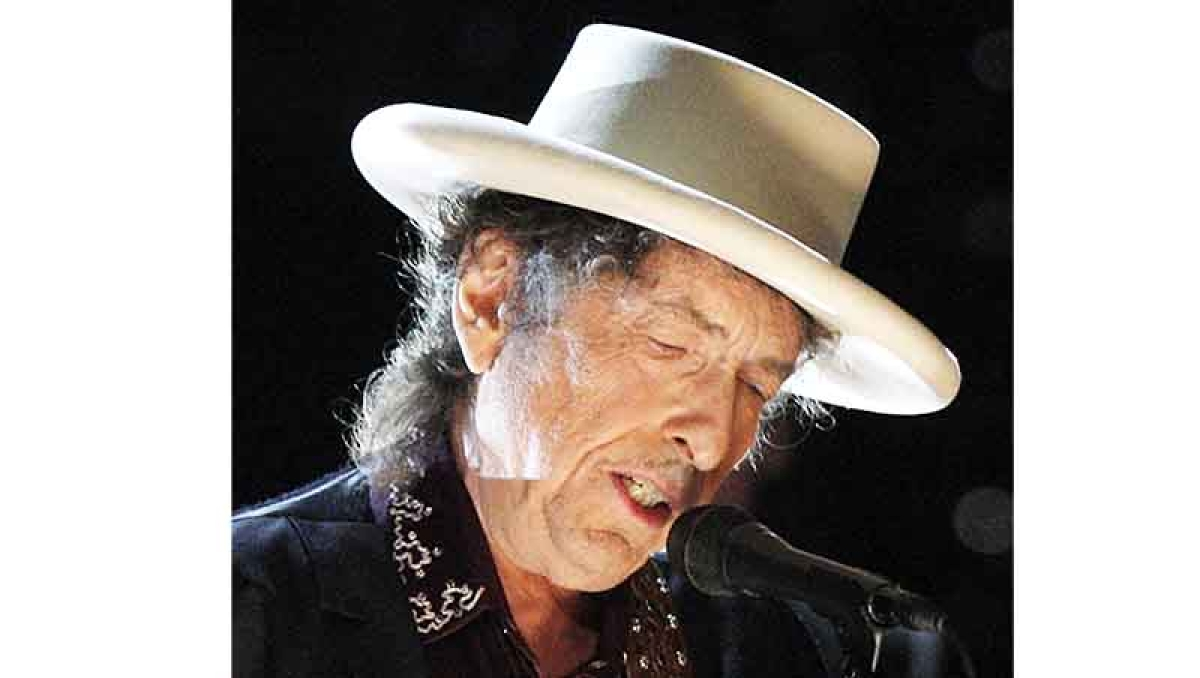 Nobel panel signals desire for Dylan song at ceremony