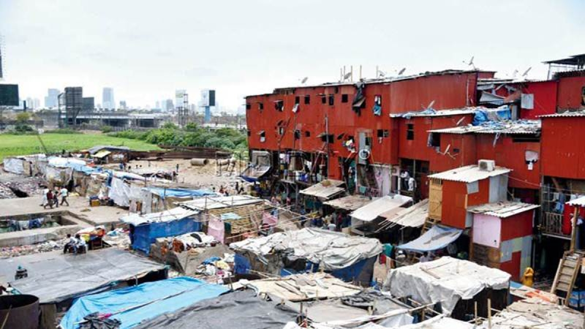 Mumbai: Special drive by Western Railway to remove illegal structures