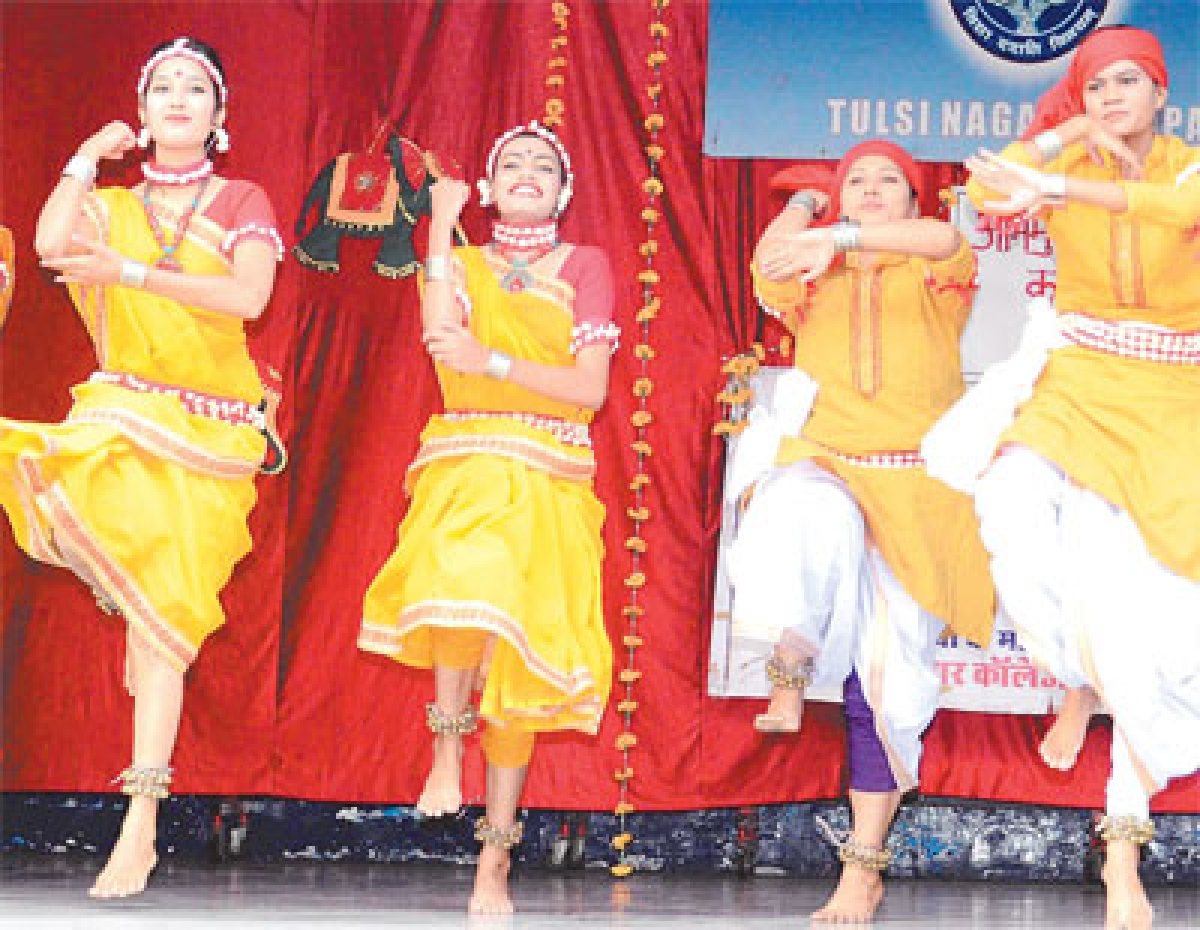 Cultural performances steal the show at Anand Vihar College