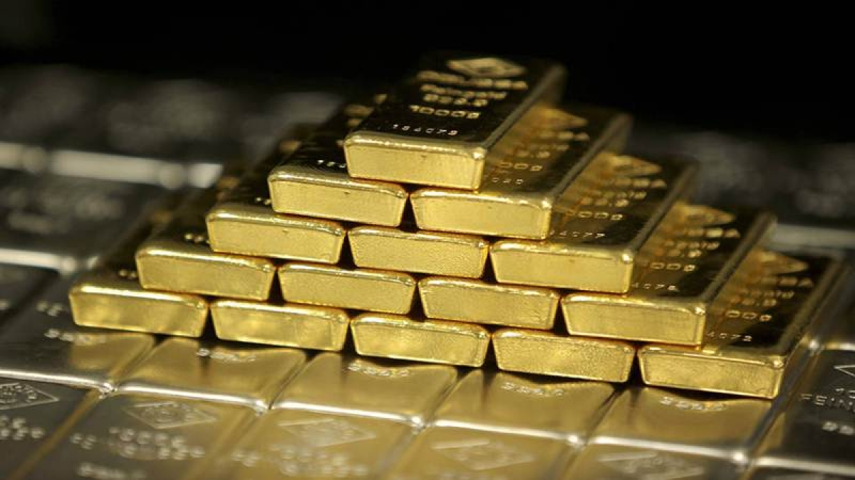Gold tops Rs 31,000 on global cues, to meet wedding season demand