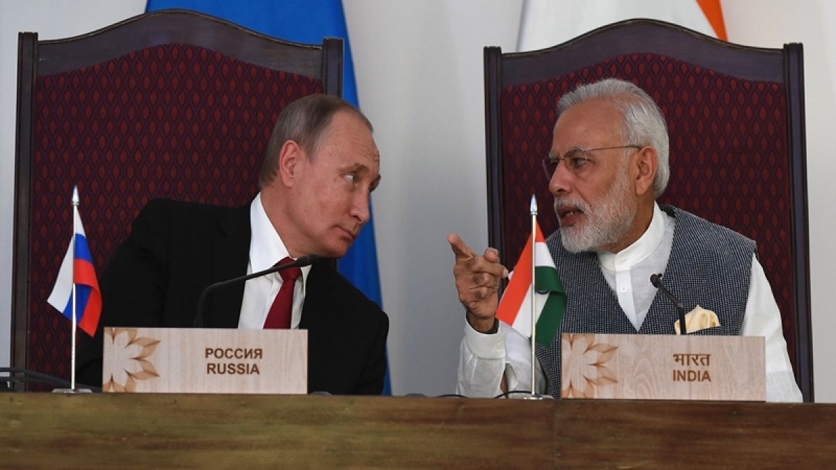 """India & Russia"" sign key agreements in defence, economic pacts"