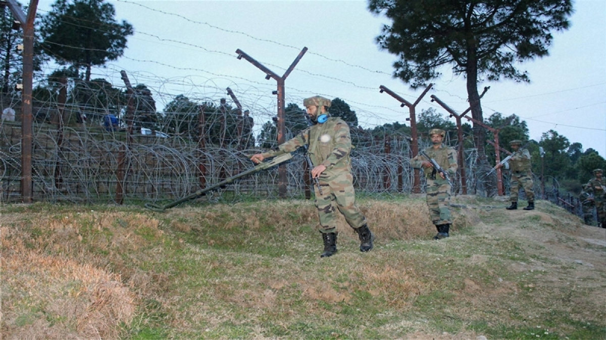 Pakistan violates ceasefire in Poonch for second time in a day