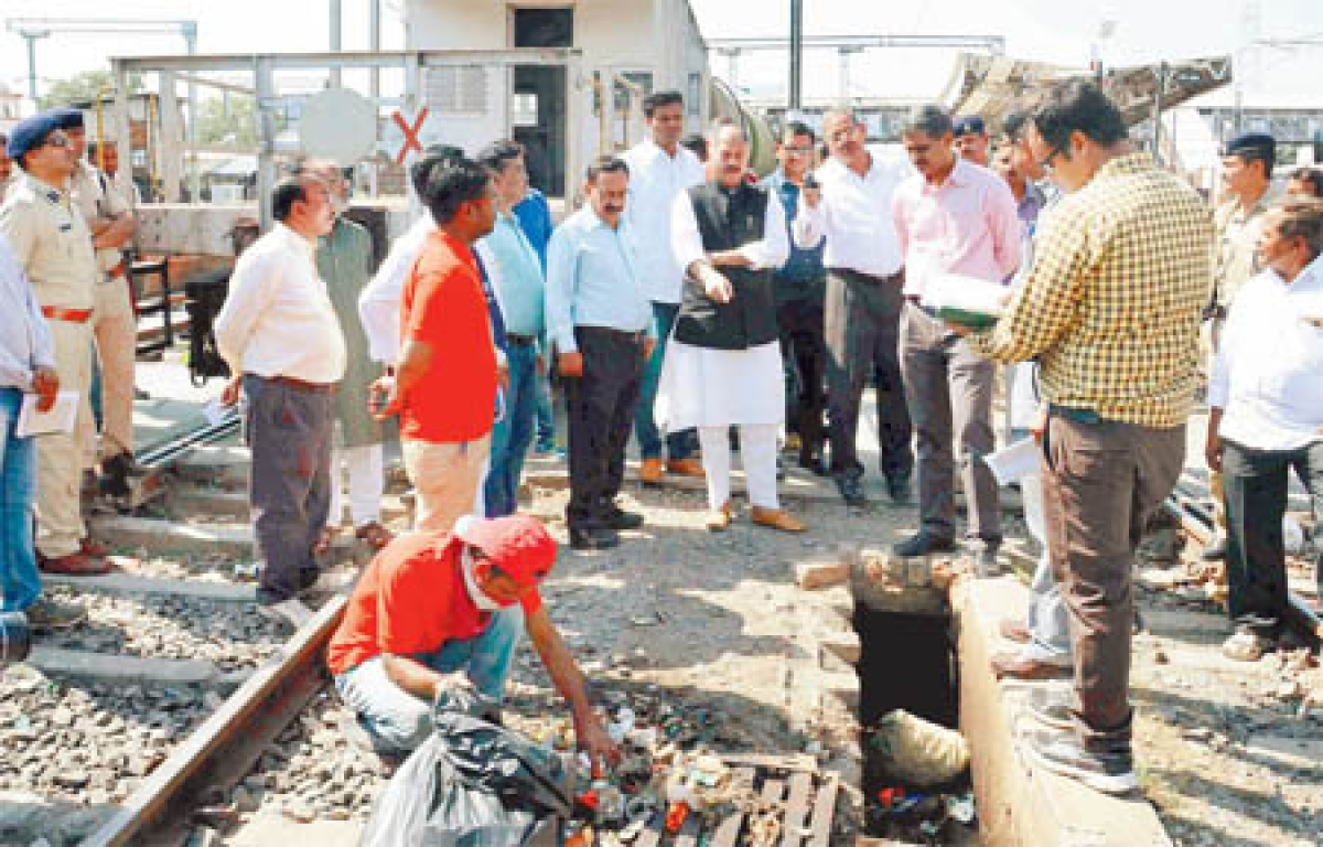 Ujjain: Officials draw flak for lack of amenities at railwaystation